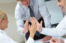 Jak zwiększyć lojalność i zaangażowanie fanów w mediach społecznościowych